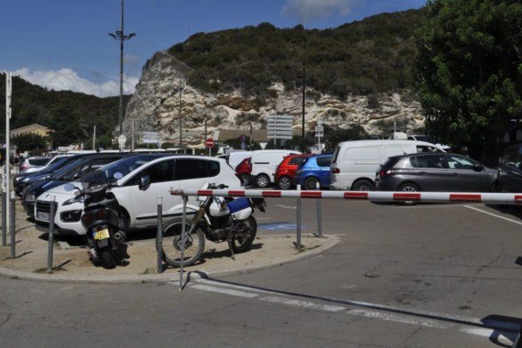 parking-minute-Port-de-plaisance-Bonifacio.jpg