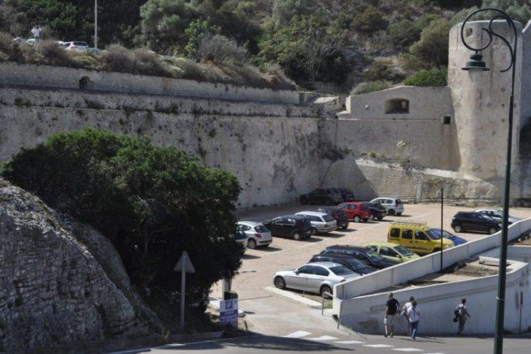 parkingPS4-Bunifazziu-Corsica.jpg