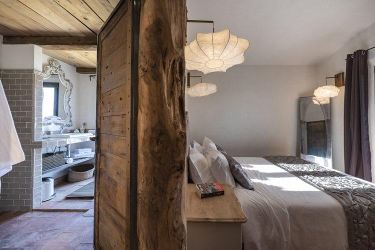 lesmaisonsdumaqui-chambre-vue-Corsica.jpg