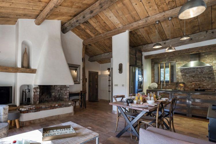 lesmaisonsdumaqui-maison-vue-Corsica.jpg