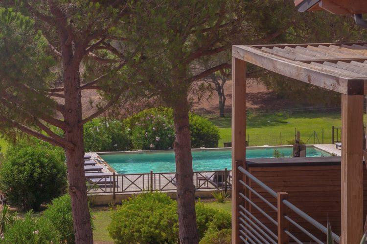 Casarina-Village-vue-panoramique–chambre-Corsica-piscine-Bonifacio.jpg