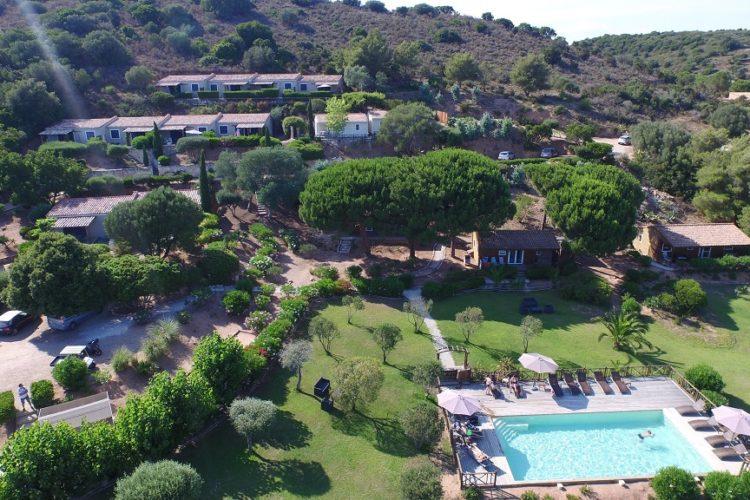 Casarina-Village-vue-panoramique-extérieur-drone-Corsica-Bonifacio.jpg