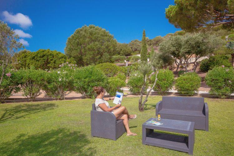 Casarina-Village-vue-panoramique-salondejardin-Corsica-Bonifacio.jpg