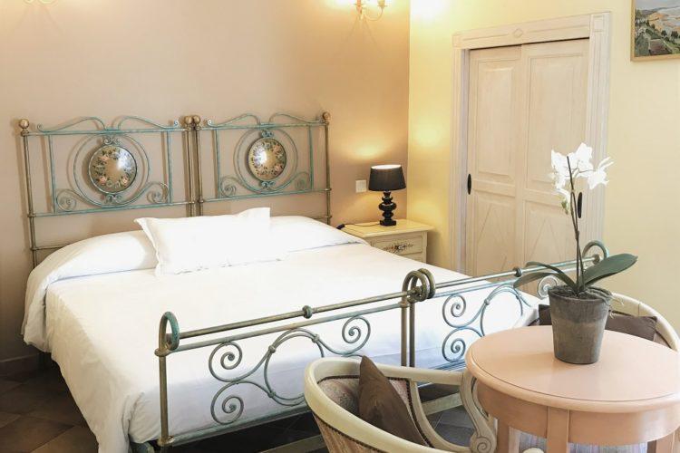 Colomba-chambre-hotel-séjour-Corsica.jpg