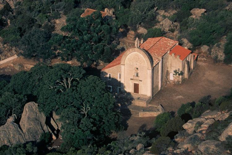 Oratoire-tiberine-Trinité-Bonifacio-nature-Corsica.jpg