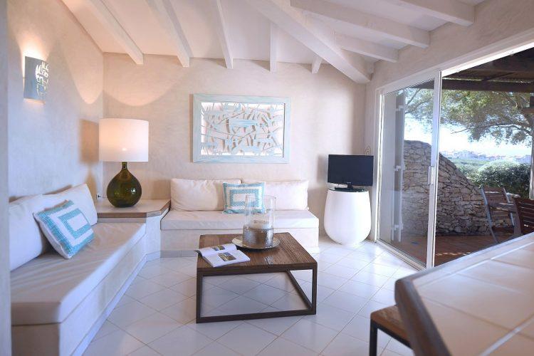 Cala-di-greco-hotel-saison2020.jpg
