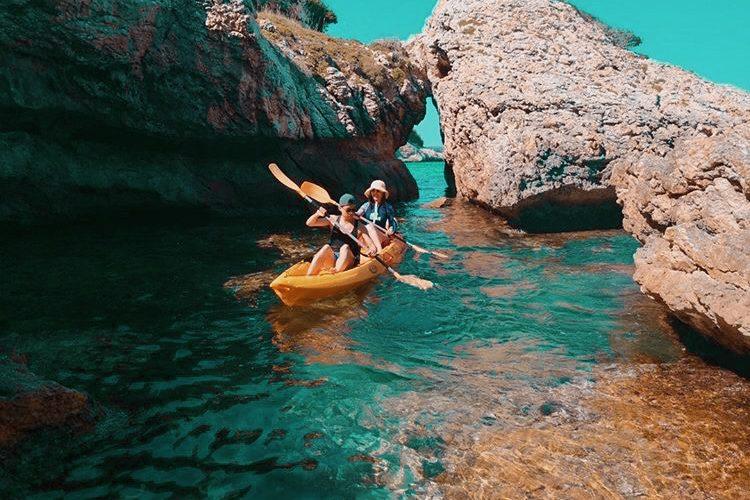 bonifacio-Windsurf-kayak-corsica-surf-Corsica.jpg