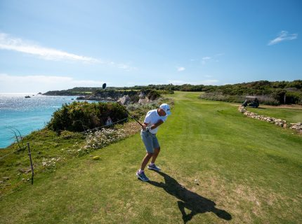 Golf-de-sperone-Bonifacio-18trous-activités-Corse.jpg