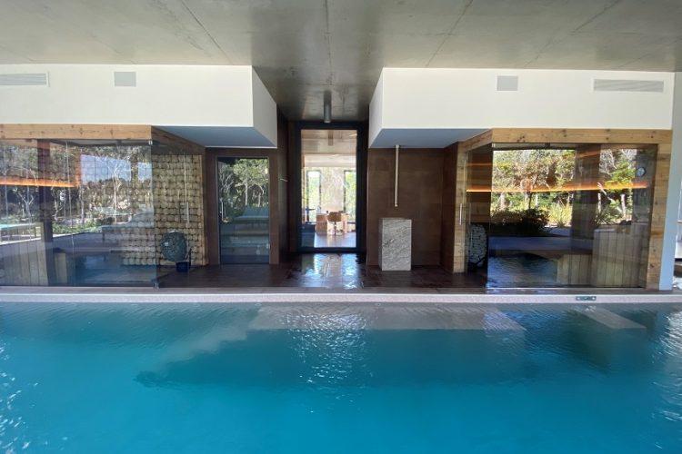 Spa-version-maquis-Bonifacio-piscine-citadelle-Corsica.jpg