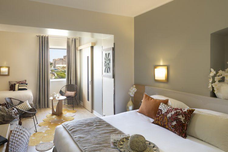 hotel-bonifacio-corse-santateresa-vue-mer-sardaigne-chambre-suite