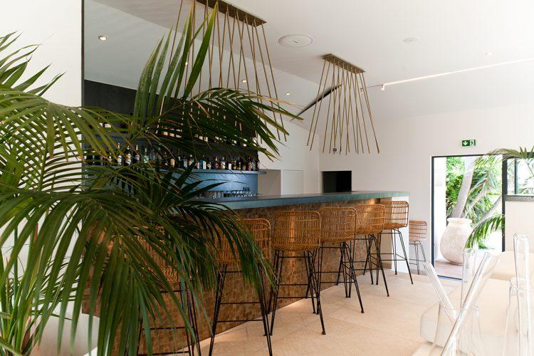 Hotel-caladigreco-bonifacio-corse-chambre-piscine-bar