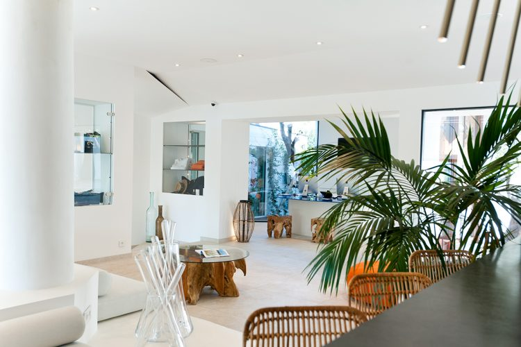 Hotel-caladigreco-bonifacio-corse-chambre-piscine-reception