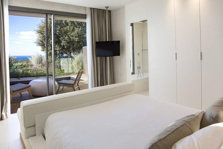 Hotel-caladigreco-bonifacio-corse-chambre-suite4