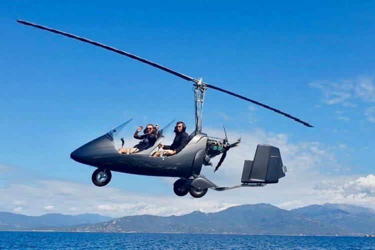 Corse Autogire dans les airs 2