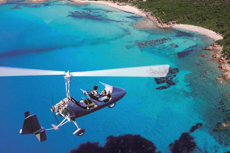 Corse Autogire dans les airs